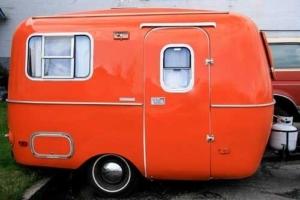 Oranje caravan