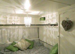 Caravan-Bedroom