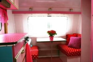 vrolijke caravan 4