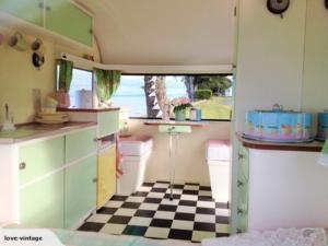retro caravan 8