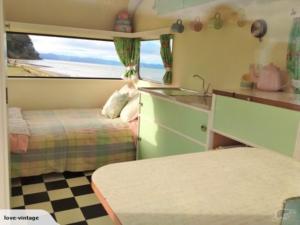 retro caravan 9