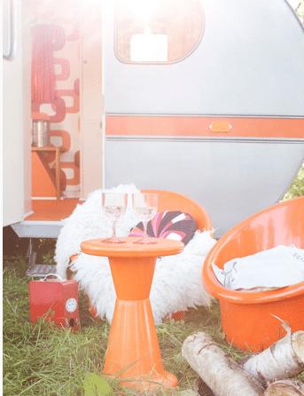 Oranje caravan 2
