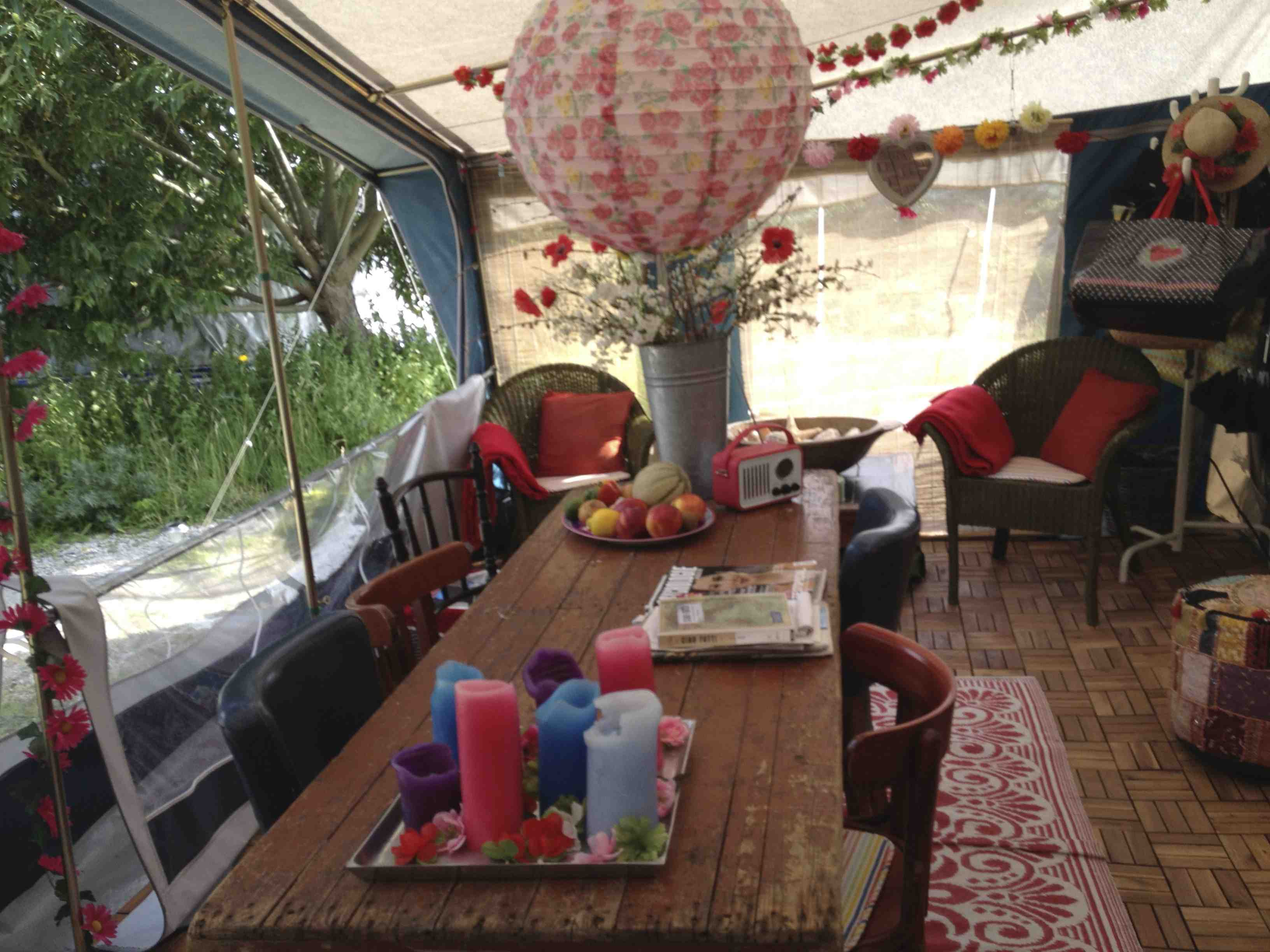 Vloer houten vloer leggen in voortent : Dit doe je met die saaie voortent u2039 Caravanity : happy campers ...