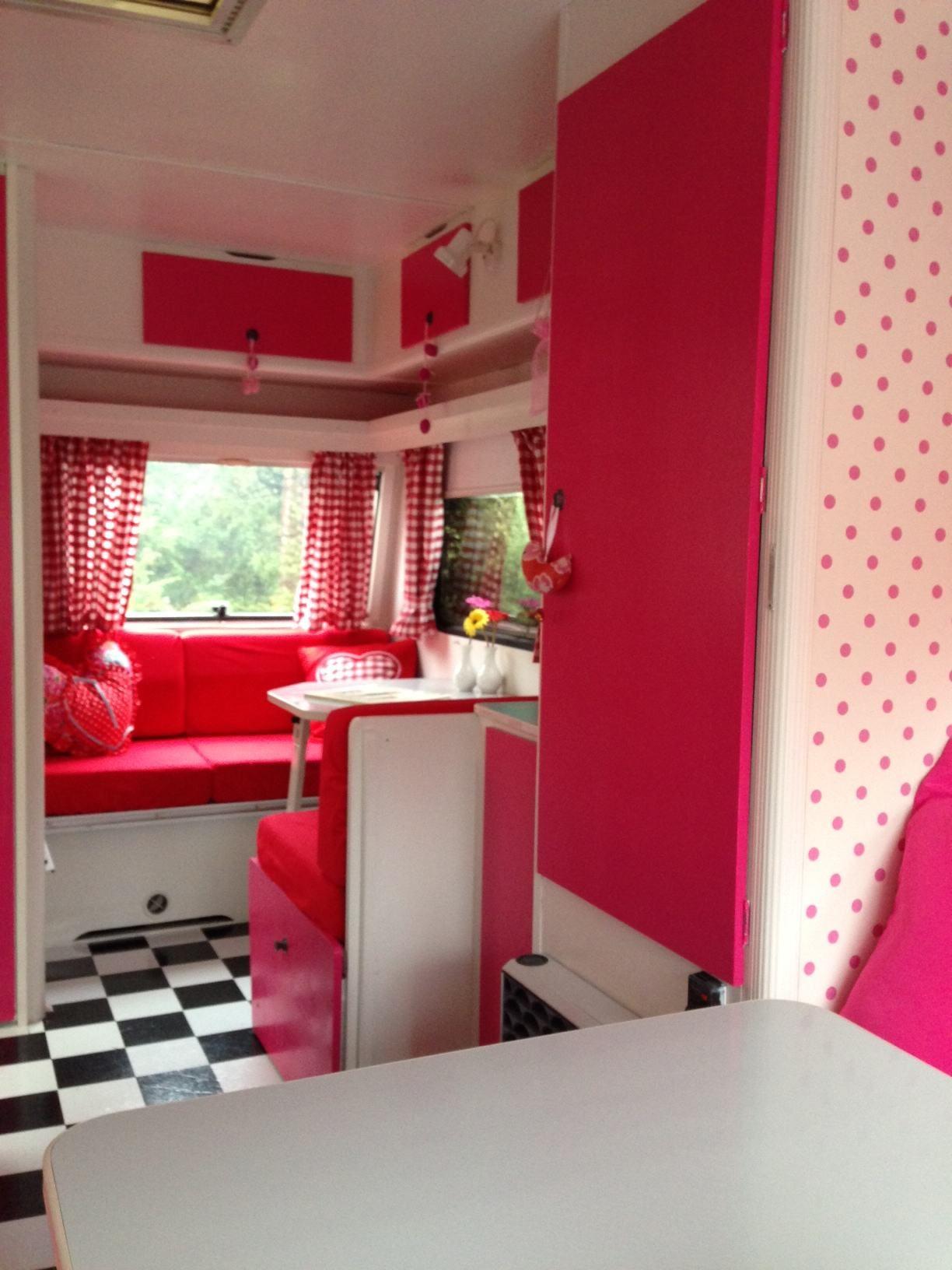 Rood met witte stippen caravanity happy campers lifestyle - Kamer in rood en grijs ...