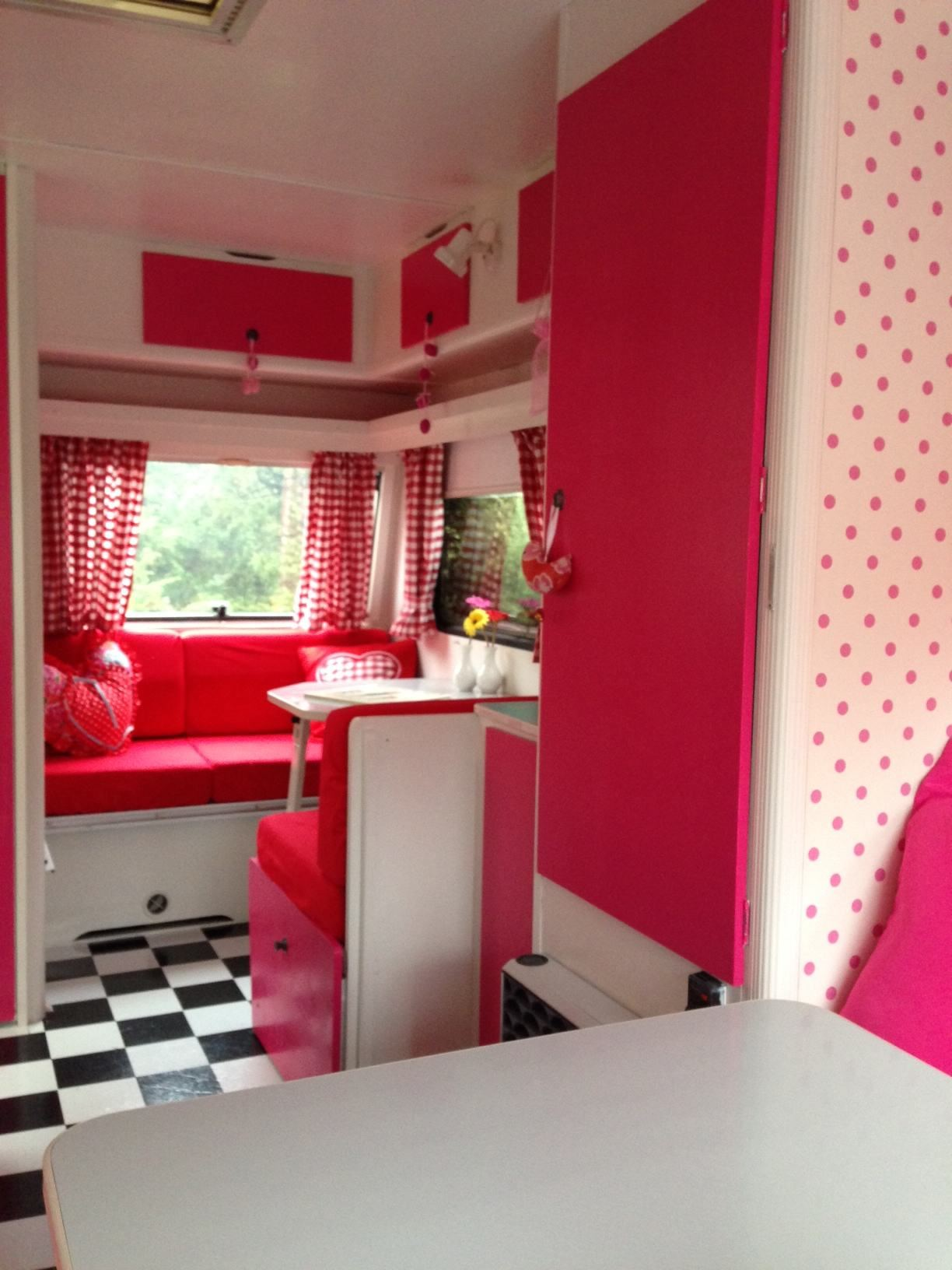 Rood met witte stippen caravanity happy campers lifestyle - Cabine slaapkamer meisje ...