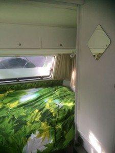 Caravan makeover paars
