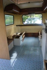 vloer leggen caravan2