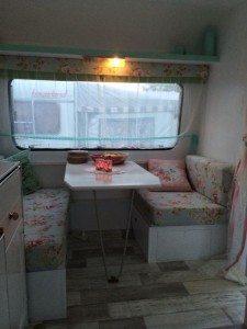 Adria caravan zitje | caravanity