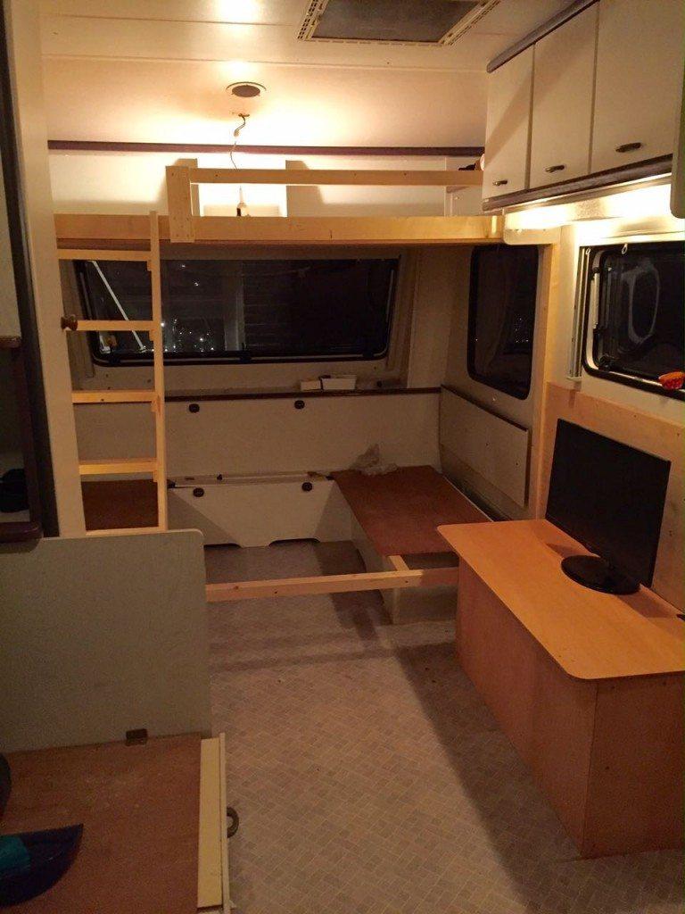 stapelbed maken in caravan | caravanity6