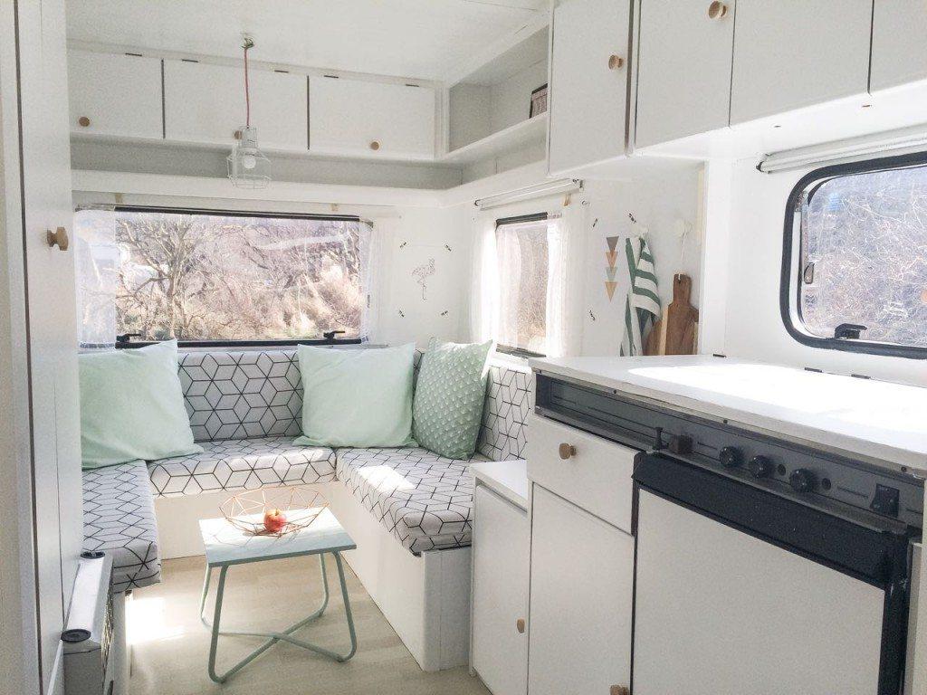 relooking caravane vintage minimalist